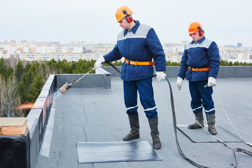 Flat Roof Installation Heating Roofing Felt With Torch